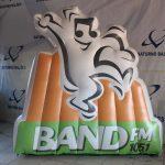 mascote inflável Band FM 1051