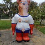 mascote inflável urso salva center