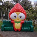 mascote inflavel moranguinho