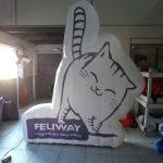 mascote inflavel feliway