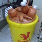 replica inflável balde de frango americano