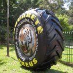 replica inflável pneu de trator